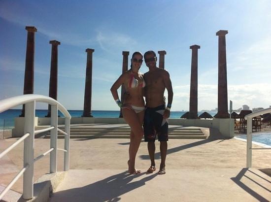 Krystal Cancun:                                     disfrutando del día en las cómodas instalaciones del Hotel K
