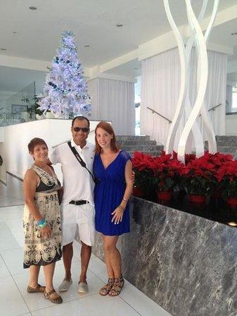 Krystal Cancun:                                     llego la Navidad a la recepción del Hotel Krystal 2012 2013