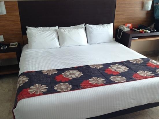 Krystal Cancun:                                     así nos recibe nuestra amplia habitación en hotel Krystal Cl