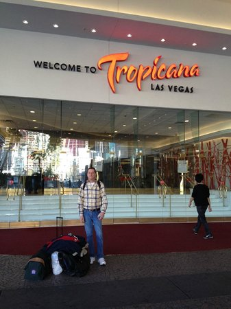 Tropicana Las Vegas - A DoubleTree by Hilton Hotel:                   Front Entrance