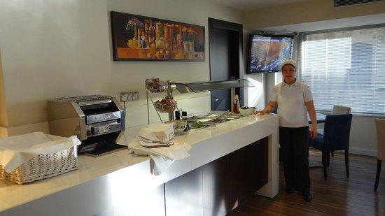 Livadhiotis City Hotel: Brekfast time