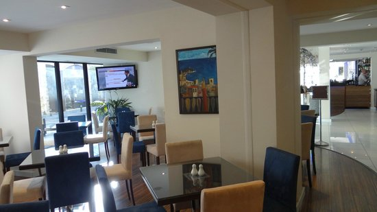 Livadhiotis City Hotel: Breakfast lounge