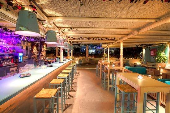 Click Cocktail Bar