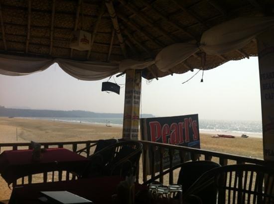 Q-Ba Beach Bar and Restaurant:                                     second floor view