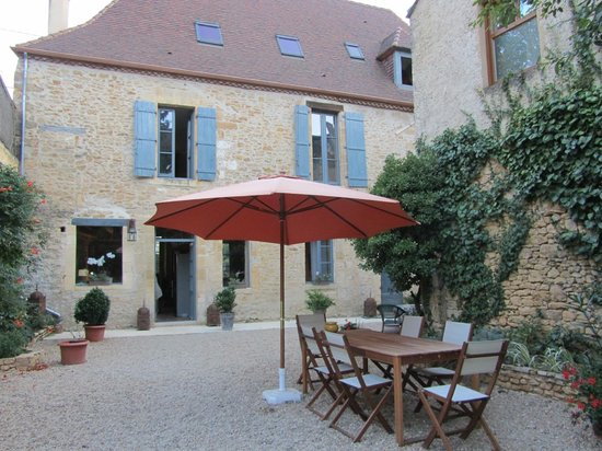 Sarlat Cote Jardin:                   La casa y el patio