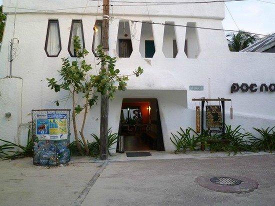 Poc-Na Hostel:                   Eingang Poc Na