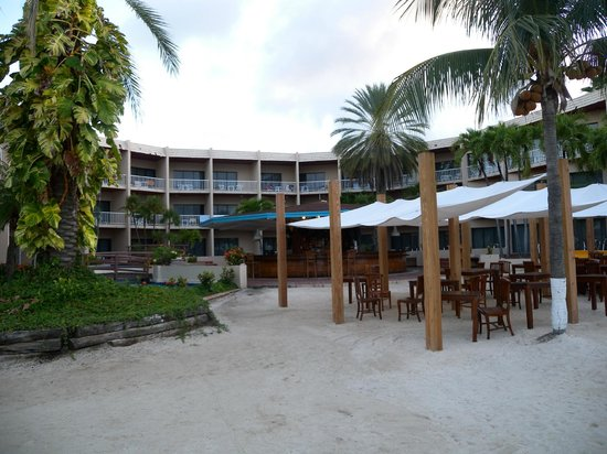 Sunscape Curacao Resort Spa & Casino:                   Flamingo Building / Oceana restaurant