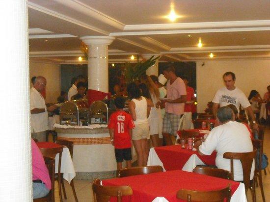 Sunshine Praia Hotel:                   salon comedor