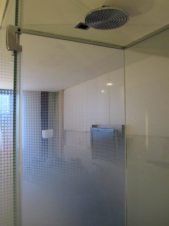 Sofitel Luxembourg Le Grand Ducal:                   Cool shower set-up