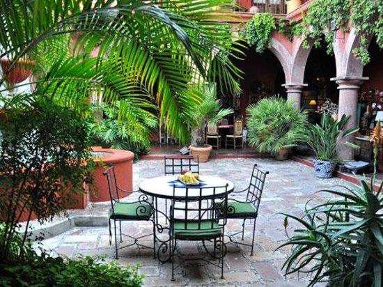 Casa de la Cuesta: Courtyard