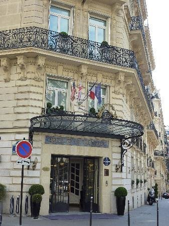 Hotel de la Tremoille:                                                       Hôtel de la Tremoille