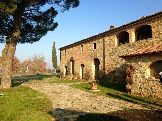 Casale Selvetella:                   Da fuori...