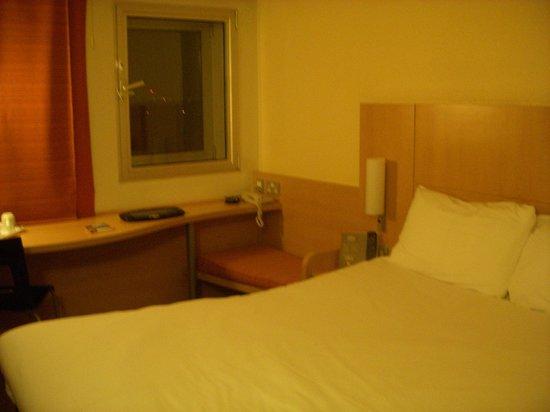 宜必思倫敦希思羅機場酒店照片