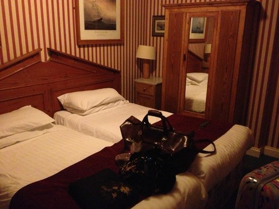 Smugglers Creek Inn: Twin Room