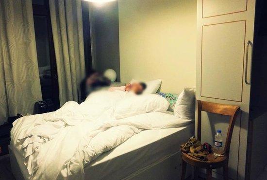 Ala Suites: The bedroom.