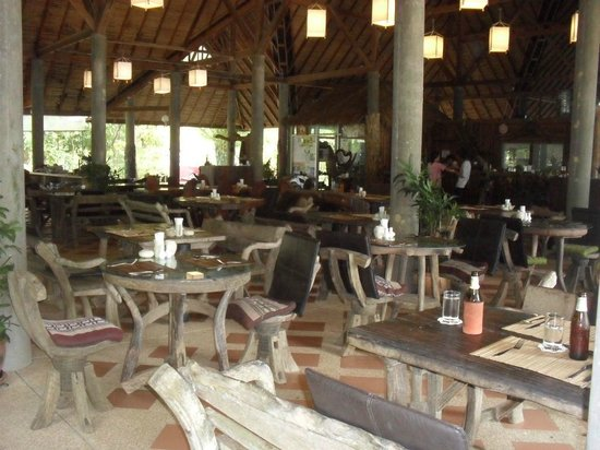 Narima Bungalow Resort : Lobby/dining area