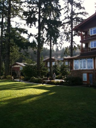 Alderbrook Resort & Spa :                                     Beautiful grounds.