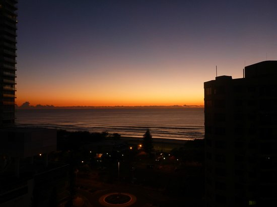 Peppers Broadbeach:                                                       the beautiful sunrise we gpt