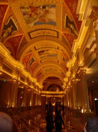 The Venetian Macao Resort Hotel :                   Main hall