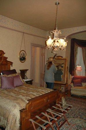 Roberts Mansion Inn & Events:                   having fun