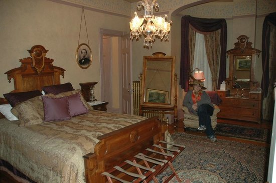 Roberts Mansion Inn & Events:                   another room