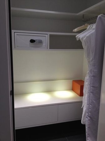 Andaz Amsterdam Prinsengracht:                   Walk-in closet with safe