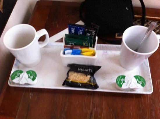 Fownes Hotel:                   At Boot Inn in Worcester we had 8/10 pots daily and lots of teabags, coffee, s
