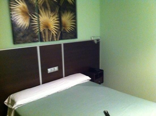 Hostal Avenida Barajas:                   habitación
