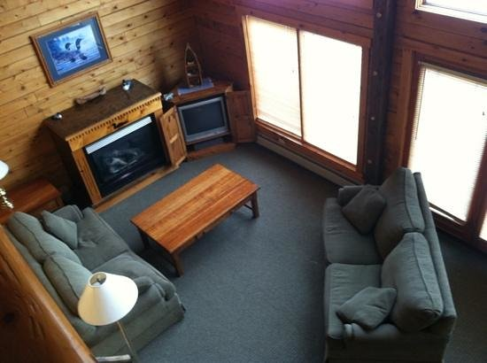 The Mountainview Resort:                   fireplace and tv area