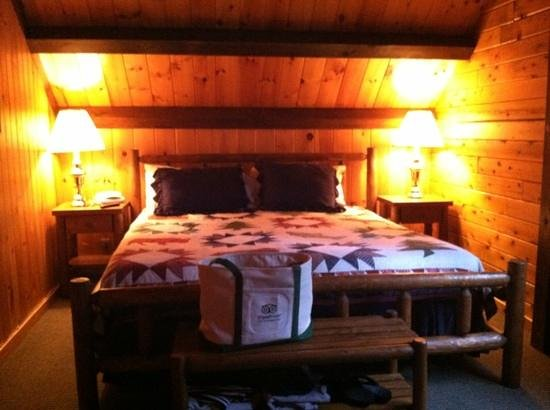 The Mountainview Resort: upstairs bedroom cabin 20