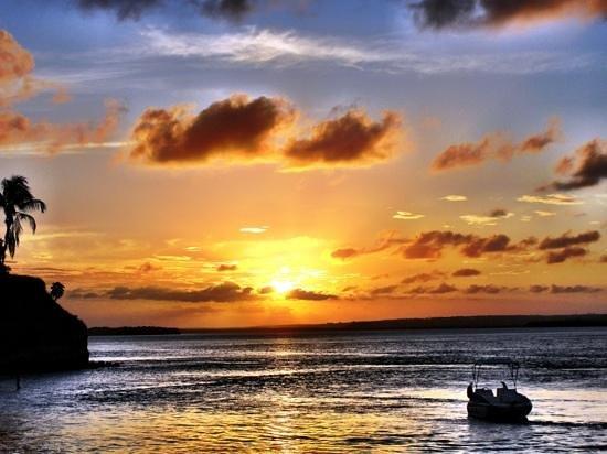 Praia Guaraíras: Famoso pôr-do-sol da Lagoa de Guaraíras