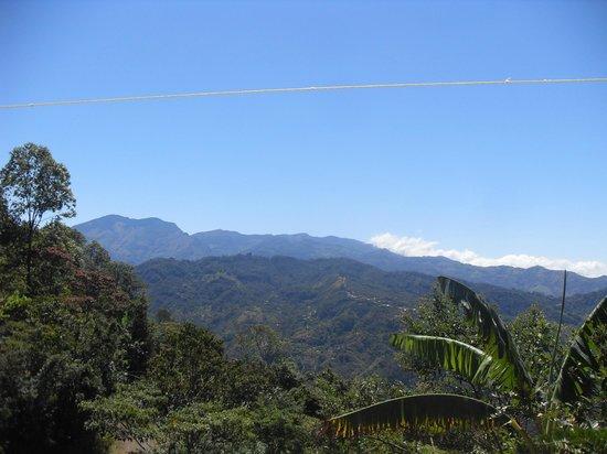 Nacientes Palmichal:                   Die Berge von Acosta