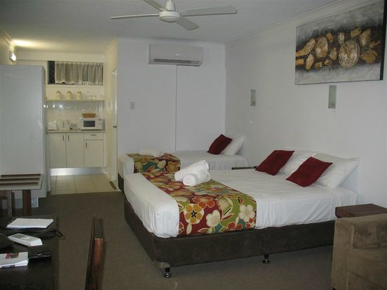 Pottsville Beach Motel: larger renovated room