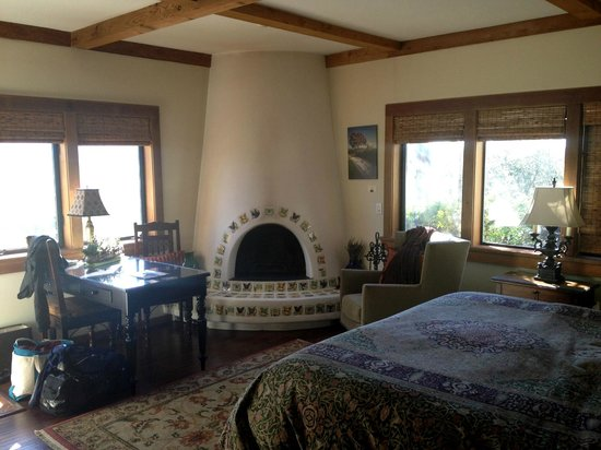 The Casitas of Arroyo Grande:                   Inside of Room