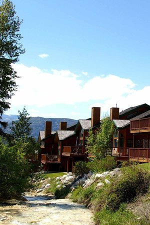 Marble Canyon & The Residences at Fairmont Ridge: Another beautiful view of the creek and surrounding area.