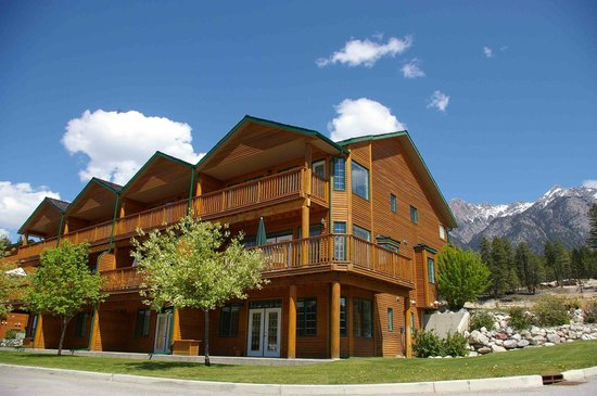 Marble Canyon & The Residences at Fairmont Ridge: The exterior of the Marble Canyon development in Fairmont Hot Springs, BC