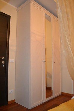 B&B Brilli:                   Sun Room Room View 2