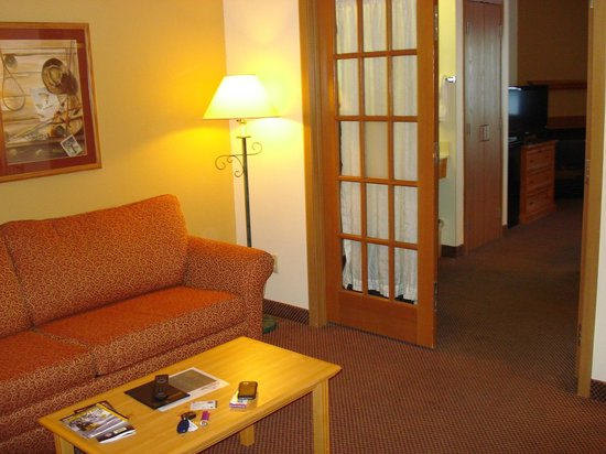 AmericInn Lodge & Suites Two Harbors:                   french doors that divide off living room
