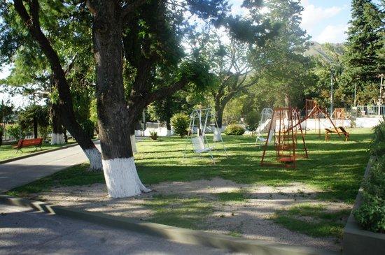 Hotel El Condor : Parque y juegos para niños