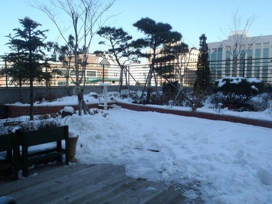 Nana Residence:                   8F喫煙所
