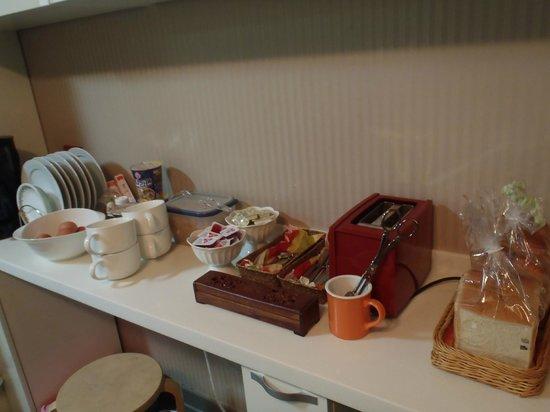 Nana Residence:                   無料の朝食♪