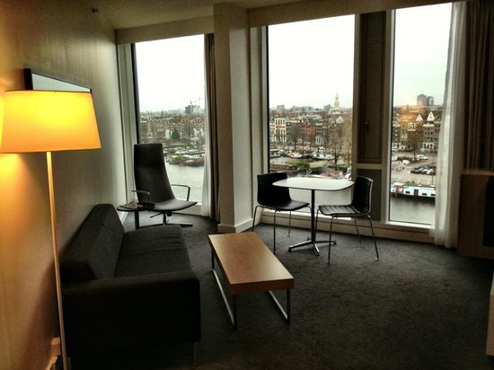 DoubleTree by Hilton Hotel Amsterdam Centraal Station:                   Floor to Ceiling Views