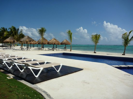 PavoReal Beach Resort Tulum:                   piscina in spiaggia
