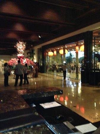 Sofitel Philippine Plaza Manila:                   lobby
