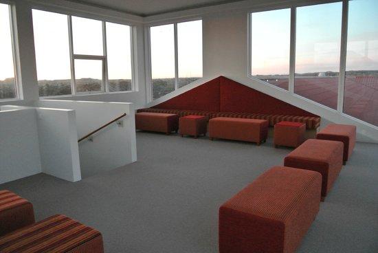 Northern Light Inn:                   オーロラ観測もこのガラス張り展望室からも可能だし、オーロラが出るまでここで待機も出来るのがGood!!