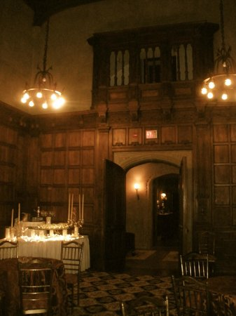 The Castle at Skylands Manor:                   another breakfast room