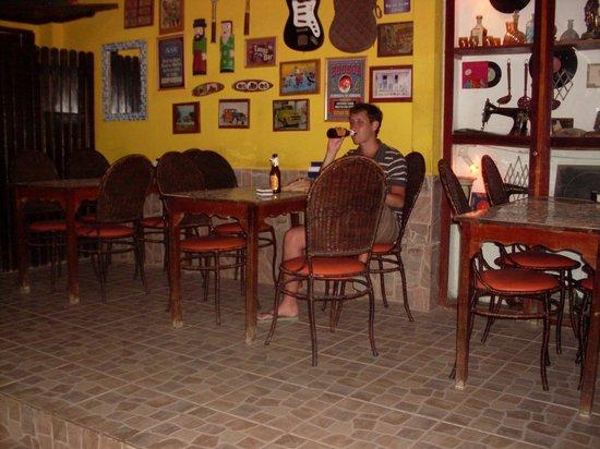 Birosca da Cachaca :                                     No había nadie en el bar, era un sábado a la noche