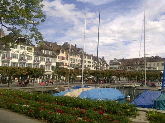 San Marco Rapperswil: The view to San Marco restaurant from boat