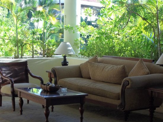 Paradisus Palma Real Golf & Spa Resort:                   part of a lounge area