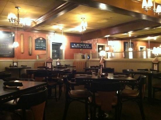 Charlie Brown's Steakhouse:                   atmosphere